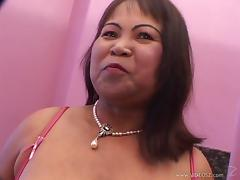 Busty matured babes with big tits giving massive dick blowjob in amateur shoot