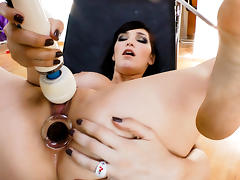 Mira,Holly Michaels,Anikka Albrite,Jessie Rogers in Orgasm #07