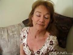 She's an experienced hag who loves having cum all over her face