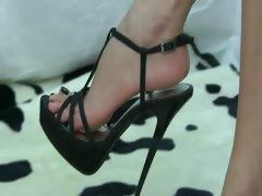 Barefoot Black Shoe