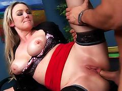 Anal porn with Abbey Brooks the curvy slut