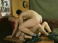hot double penetration in a french cafe