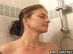 Two mature ladies play lesbian games after taking a shower