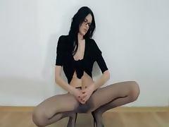Hot 18yo girl pose in front of mirorr