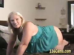 Mature Blonde Woman Show On Webcam