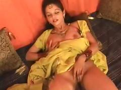 Hot Northindian B Grade Actress expose her Boobs and Pussy